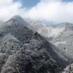 天然水が創られる山