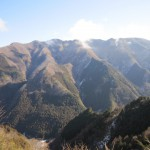 天然水が作られる山々
